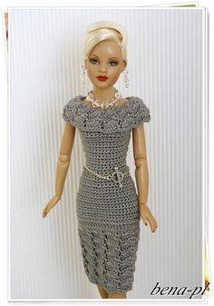 Crochet Doll Dress, Crochet Barbie Clothes, Knitted Dolls, Barbie Mode, Barbie Wardrobe, Barbie Clothes Patterns, Doll Dress Patterns, Doll Costume, Barbie Dress