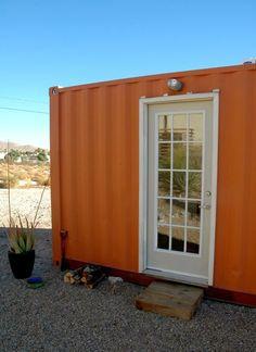 A customização de container  proporciona projetos bacanas, criativos e aconchegantes. Abaixo segue uma lista de 10 pequenas casas container ...