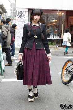 Vintage-loving Harajuku girl, she reminds me of Mai from Avatar.