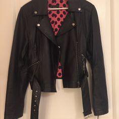 "SOLD Svart ""skinnjacka"" läderimitation stl L #biker #jacket"