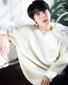 Jin (BTS) - Charming prince from fairy tale BTS collaborated with Dispatch to produce sweet photos as a special Christmas present for fans. Who: Jin (BTS) Jimin Jungkook, Taehyung, Vlive Bts, Bts Bangtan Boy, Bts Boys, Seokjin, Kim Namjoon, Jung Kook Bts, Jung Hoseok
