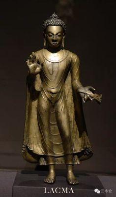 Bronze Buddha Shakyamuni, late 6th to 7th century, Post-Gupta, Northern India. Collection of LA County Museum of Art.