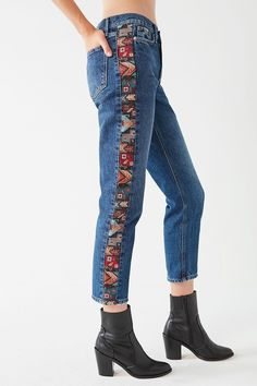 Shop BDG Mid-Rise True Straight-Leg Jean – Jacquard at Urban Outfitters today. We carry all the latest styles, colors and brands for you to choose from right here. Denim Fashion, Boho Fashion, Fashion Outfits, Fashion Design, Tomboy Outfits, Emo Outfits, Punk Fashion, Jeans Recycling, Jeans Refashion