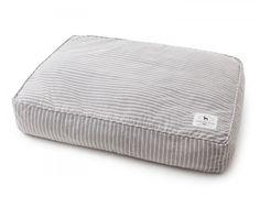 http://www.lexingtoncompany.com/en/home/home-decor/ticking-striped-dog-bed  Ticking Striped Dog Bed  Lexington Company 149€