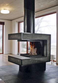 Krb v prostoru / Fireplace in the space
