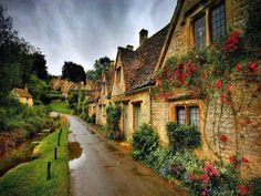 Picturesque Old House in England - Imgur
