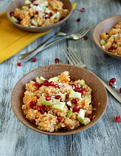 A chilled quinoa side dish filled with sweet potato, pomegranate, clementines, apple, and topped with feta cheese. This salad has a complementary lemon-honey vinaigrette. Remember how I promised a… Quinoa Side Dish, Sweet Potato Quinoa Salad, Whole Food Recipes, Cooking Recipes, Cooking Ideas, Cooking Time, Vegetarian Recipes, Healthy Recipes, Healthy Tips