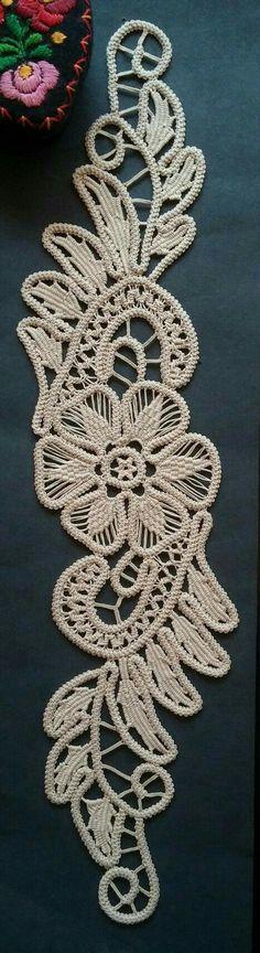 Point Lace Romanian Style Crochet Doily Tan Floral by ValeriasShop pattern Crochet Cord, Crochet Motifs, Freeform Crochet, Irish Crochet, Crochet Doilies, Crochet Flowers, Crochet Lace, Lace Patterns, Crochet Patterns