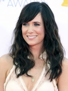Emmys 2012: Kristen Wiig http://beautyeditor.ca/gallery/emmys-2012-red-carpet-beauty/kristen-wiig/