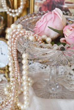 Prachtige sieraden voor bij een pastel outfit