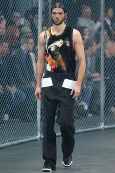 Givenchy - Men-Fall winter 2014 - Show collection Mens Fashion Week, Latest Mens Fashion, Fashion News, Men's Fashion, Paris Fashion, Vogue Paris, Givenchy Paris, Italian Fashion Designers, Fall Winter 2014