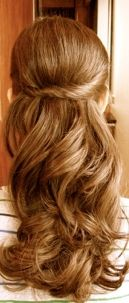 I wish my hair could be this long by prom. So beautiful.