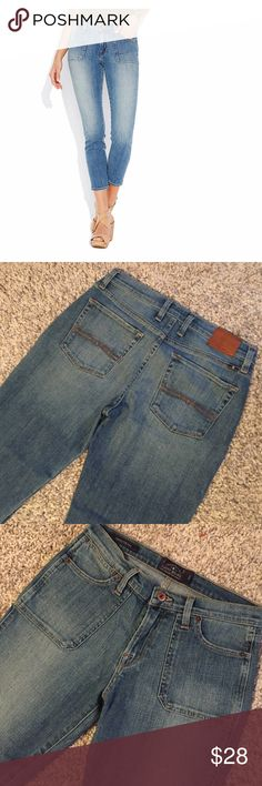 Lucky Brand Charlotte Rail Jeans Cute pair of light denim cropped length Lucky jeans.  Flat pockets in front.  Great length to wear with flats, sandals or heels!  92%COTTON/6%POLY/2%ELASTANE Lucky Brand Jeans Ankle & Cropped