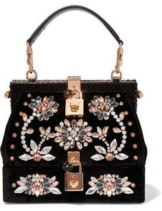 2a43d409722f Bolso de mano de terciopelo con brillantes en forma de flores de Dolce    Gabbana (