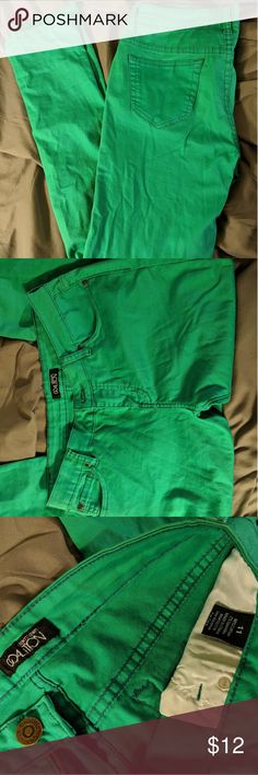 Green Skinny Jeans Bright green Slightly stretchy fabric Size Juniors 11 Downtown Coalition Jeans Skinny