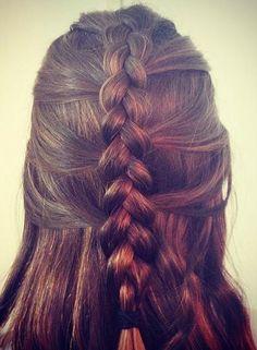 Half-up, half-down braid. A casual, but romantic summer look!