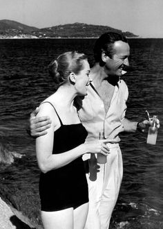 Deborah Kerr and David Niven in Bonjour Tristesse. Golden Age Of Hollywood, Vintage Hollywood, Hollywood Stars, Classic Hollywood, Turner Classic Movies, Classic Films, Debra Kerr, Por Tras Das Cameras, David Niven