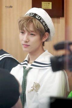 all hail the most iconic look of renjun Nct Dream Members, Huang Renjun, Always Smile, Winwin, Taeyong, Nct 127, Handsome, Culture, Kpop