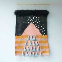 deseito 1 . Amara Montes Weaving Wall Hanging, Weaving Art, Tapestry Weaving, Loom Weaving, Wall Hangings, Types Of Weaving, Textile Fiber Art, Yarn Thread, Weaving Projects