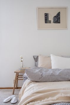 Bedroom styling. Photo by Veronika Moen. Styling by Balthazar Interior Oslo. This scandinavian-style apartment is located in Oslo Norway. #nordicstyle #nordichome #nordicinspiration #nordicliving #scandinavinanhome #scandinavianstyle #interiorphotographer #interiorinspiration #interiorinspo #interiorstyle #interiorstyling #interiordecor Nordic Living, Nordic Home, Nordic Style, Scandinavian Style, Interior Photo, Interior Styling, Interior Decorating, Bedroom Styles, Oslo