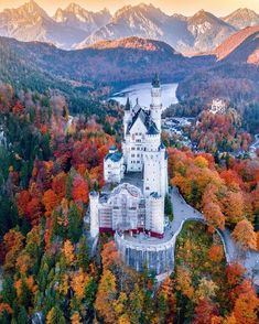Autumn explosion at Neuschwanstein Castle, Germany. Photo by Senna Relax (www.instagram.com/sennarelax) - PandoTrip - Google+