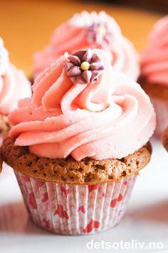 Nugatti Cupcakes med jordbærkrem | Det søte liv