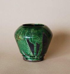 Part of the Potterycrafts Potters Gallery.  Created by John Reynolds.  http://www.potterycrafts.co.uk/reynolds