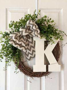 Spring Front Door Wreaths, Diy Spring Wreath, Fall Wreaths, Diy Wreath, Grapevine Wreath, Burlap Wreath, Wreath Ideas, Christmas Wreaths, Christmas Gifts