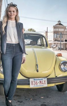 That signature yellow bug - Jennifer Morrison is Emma Swan - BTS Emma Swan, Once Upon A Time, Emilie De Ravin, Outlaw Queen, Best Shows Ever, Best Tv Shows, Ouat Cast, Volkswagen, Vw Vintage