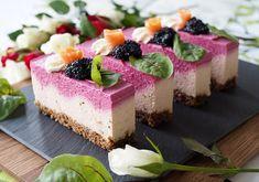 Juhlavat lohi-punajuurileivokset / Ferstive salmon and beetroot mousse cakes