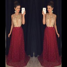 Vestido vermelho e dourado