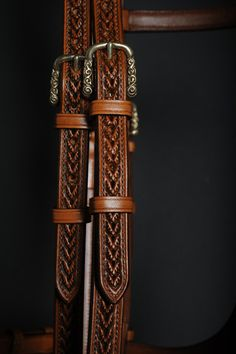 bridle by French saddler Jean-Luc Parisot Horse Gear, Horse Tack, Equestrian Outfits, Equestrian Style, Western Bridles, Pony Style, Leather Halter, Horse Costumes, Leather Carving