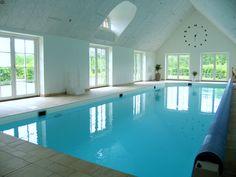 Privat indendørs svømmebassin . Rypool