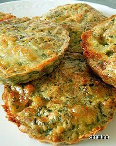 Quiche with out spinach goat cheese and walnuts Easy Casserole Recipes, Quiche Recipes, Veggie Recipes, Vegetarian Recipes, Healthy Recipes, Perfect Quiche Recipe, Quiches, Chefs, Buffets