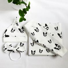 Boston Terrier Print Baby Swaddle Blanket Organic Cotton Newborn Coming Home Set, Dog Themed Baby Shower Gift ideas Girls Boys Gifts For Dog Owners, Dog Lover Gifts, Organic Baby, Organic Cotton, Monochrome Nursery, Baby Swaddle Blankets, Baby Prints, Nursery Themes, Baby Items