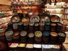 Urandir-Loja-de-Ceramicas-no-Grand-Bazar-em-Istambul-Turquia-7a-Expedição-Zigurats Grand Bazar, Turkey Travel, Ufo, Photo Galleries, Holiday Decor, Ceramic Store, Olive Tree, Brazil