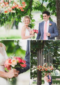 flower arch ceremony details @weddingchicks