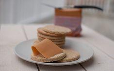 Scandinavian Food, Fika, Cottage Cheese, Tea Time, Bread, Cookies, Desserts, Drink, Crack Crackers