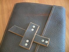 Handmade Leather Ipad Mini Case with notepad by UrbanCow on Etsy, $80.00