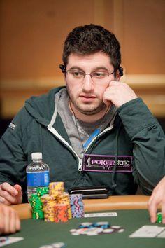 Ao final do primeiro ano de faculdade, um amigo dele ganhou um torneio no PartyPoker e faturou $30.000.