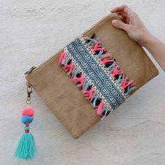 Diy Clutch, Diy Tote Bag, Clutch Bag, Mundo Hippie, Potli Bags, Ethnic Bag, Embroidery Bags, Boho Bags, Wallet Pattern