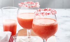 This super tasty cocktail is packed with fresh fruit and tequila . pretty much all the good things. It's even got a jelly bean rim! Cocktail Drinks, Cocktail Recipes, Strawberry Tequila, Tea Party Decorations, Easy Decorations, Christmas Cocktails, Jelly Beans, High Tea, Fresh Fruit