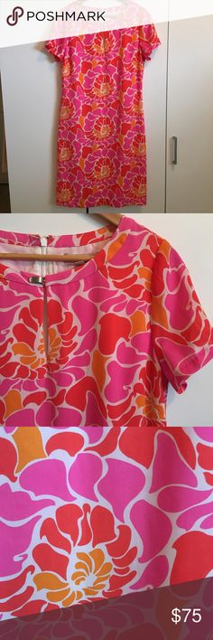 """Banana Republic PInk/Orange Sheath Dress Banana Republic PInk/Orange/Coral Print Sheath Dress. Excellent condition! Fully lined polyester. Back hidden zipper. Silver clasp at chest. Bust 36"""", waist 32"""", hips 42"""", length 39"""". Such a gorgeous piece for summer! #shift, #tunic Banana Republic Dresses Midi"""