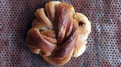 Kanelsnurrer fra Bakeriet i Lom   Godt.no Norwegian Food, Veggie Dinner, Dessert Drinks, Bread Baking, Diy Food, No Bake Cake, Food Inspiration, Sweet Recipes, Baking Recipes