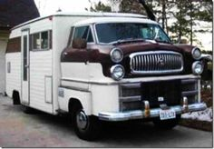 weird camper trailers - Could we get any uglier? Mini Camper, Camper Caravan, Truck Camper, Camper Trailers, Airstream Motorhome, Motorhome Travels, T1 Bus, Vw T1, Cool Rvs
