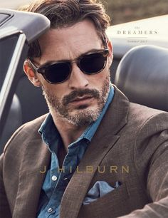 Hilburn embraces the concept of The Dreamers for its summer 2017 catalogue. Reuniting with Ben Hill, J.Hilburn presents a striking blend of warm summer hues… New Mens Fashion, Daily Fashion, Men's Fashion, Fashion Guide, Fashion Bloggers, Dapper Gentleman, Gentleman Style, Jarrod Scott, Ben Hill