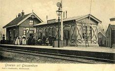 Station Giessendam-Oudekerk, de naam is in 1927 gewijzigd in Giessendam-Neder-Hardinxveld, in 1957 in H'veld-G'dam. pic.twitter.com/iDl6bfJkjR