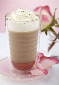 Enchant your sophisticated palate with this Rose Caffè Latte with Vanilla. The aroma of floral rose with classic vanilla is sure to let you know that this treat is something special.