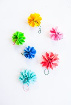 Make Christmas Ornaments with Post-It Notes