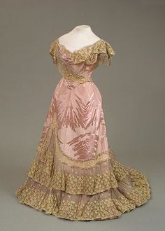 1898 pink and gold dress for Maria Feodorovna of moiré with a woven silk pattern, chiffon and lace by Worth (Hermitage)